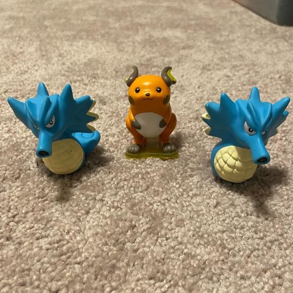 Raichu and Seadra Pokémon Figures Bundle